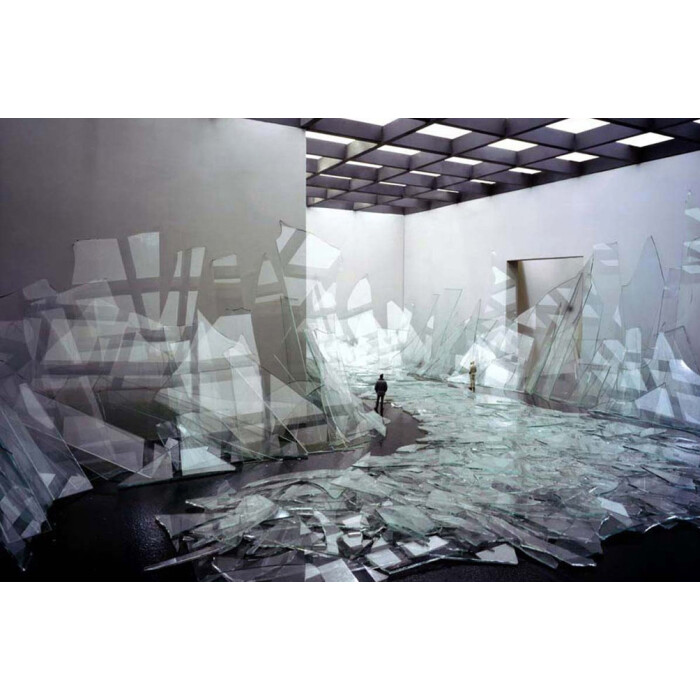 Pseudodocumentation: Broken Glass, 2006