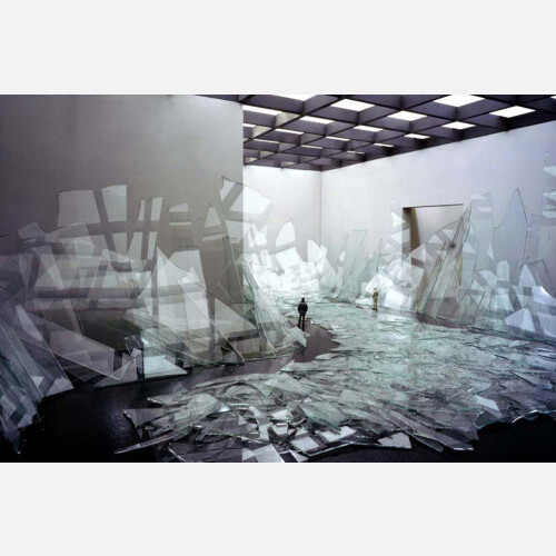Pseudodocumentation: Broken Glass, 2006
